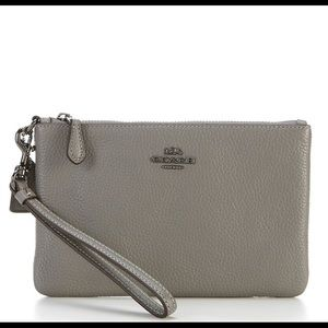 NWT Coach Pebble Leather Small Wristlet